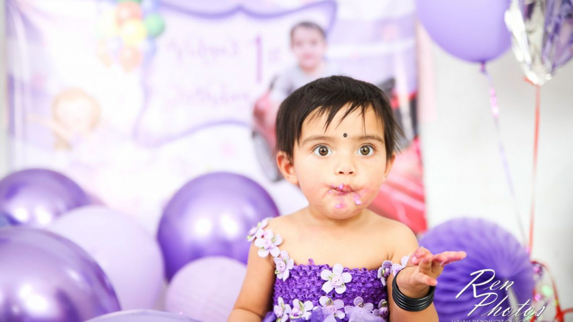 Vidya-cake-smash-studio-photoshoot-ist-birthday©-Renphotos-14-1140x642