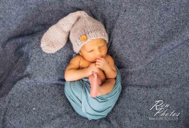 How long does a newborn photoshoot take
